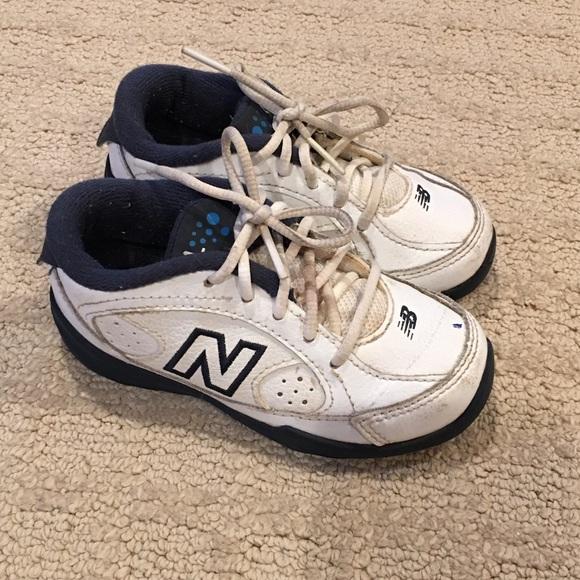 504 new balance tennis shoes